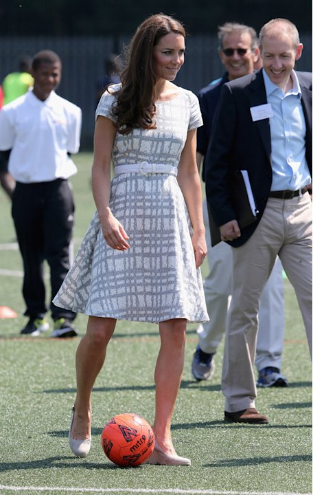 Kate doesn&amp;#39;t have to wear designer dresses all the time! The Duchess of Cambridge wears an affordable discount dress right off the sale rack of Hobbs, a mid-priced British label. The Duchess playe
