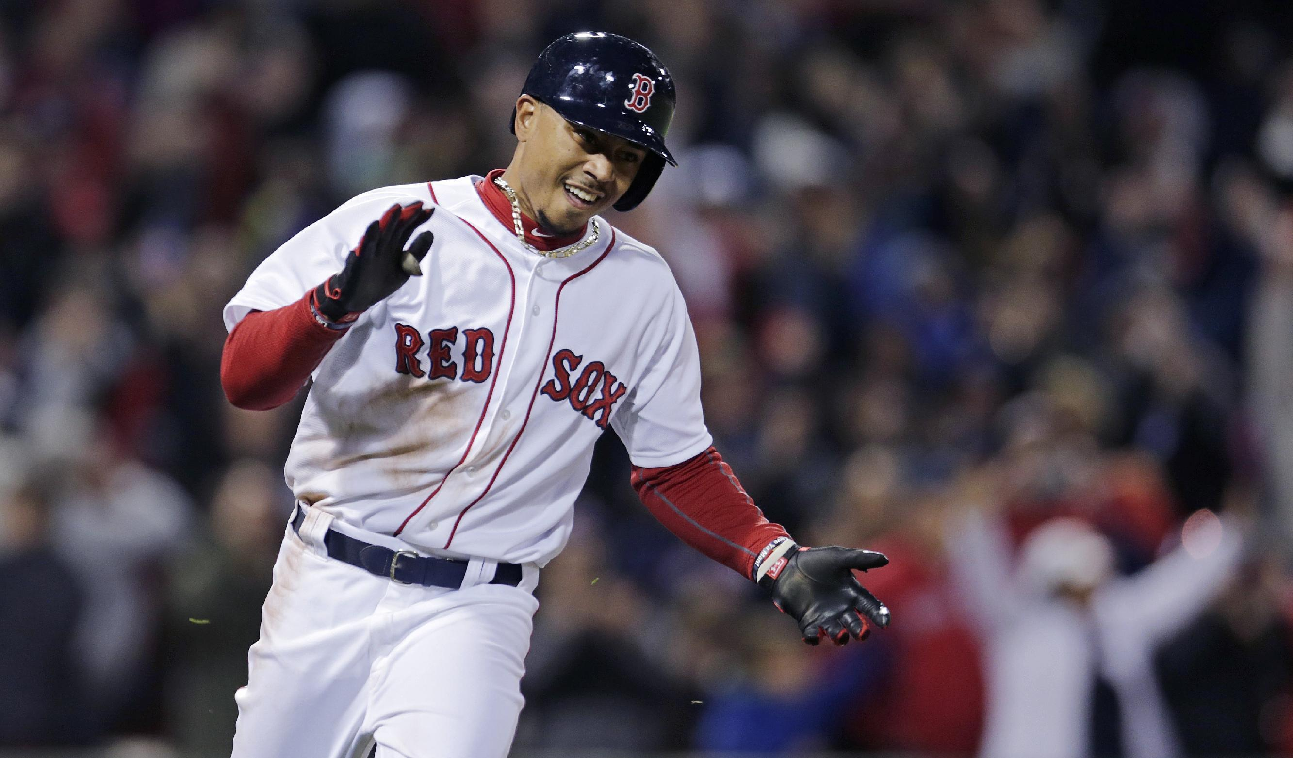 Mookie Betts' walk-off single leads Red Sox over Blue Jays