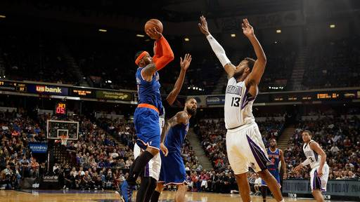 Anthony, Smith help Knicks hold off Kings 107-99