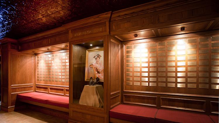 Grand Ole Opry installs 2 new tours