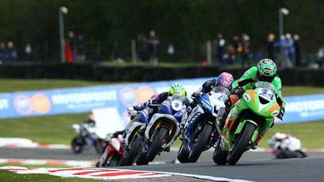 Oulton BSB: Seeley snatches epic Supersport race