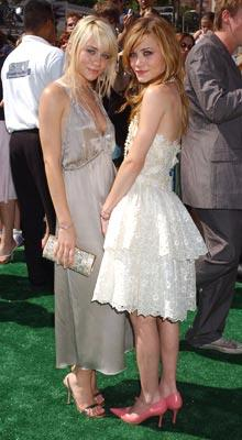 Ashley Olsen and Mary-Kate Olsen at the world premiere of Warner Brothers' New York Minute