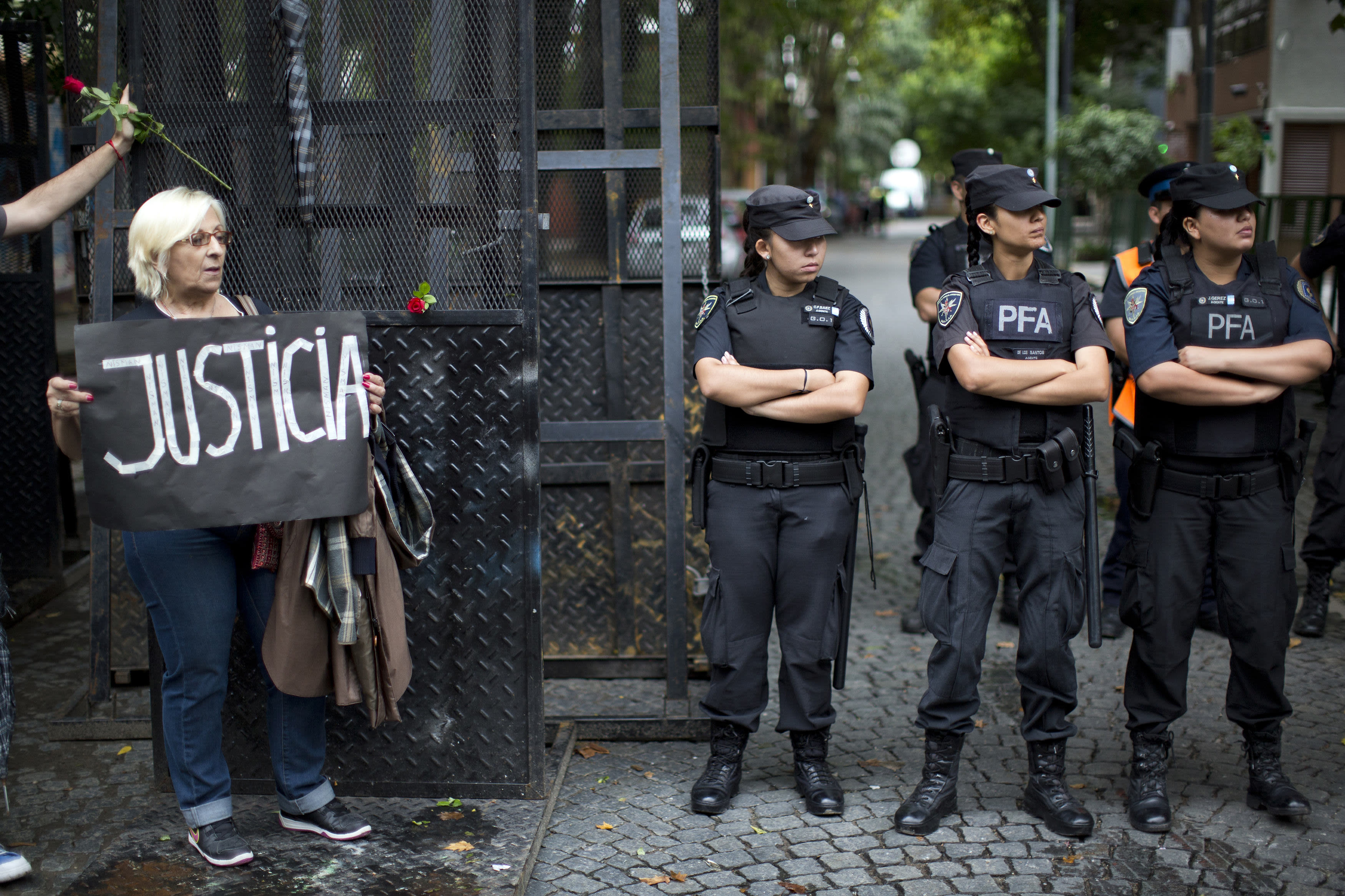 Much confusion, few answers, in Argentine prosecutor's death