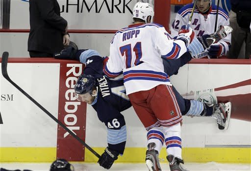 Rangers stay hot, drop Penguins 3-1