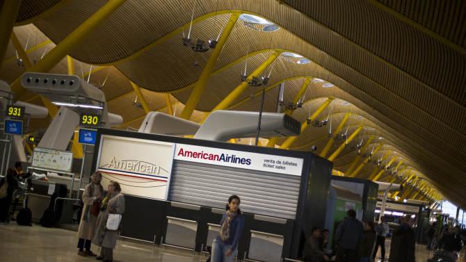 Sandy shuts down Northeast air travel