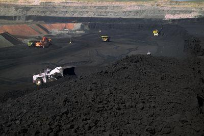 Obama opens thousands more acres of public land to coal mining