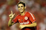Oscar to wear No.11 shirt at Chelsea after Drogba departure