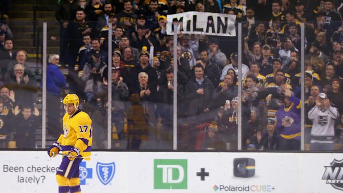 Bruins salute Milan Lucic with tribute in return to Boston (Vid…