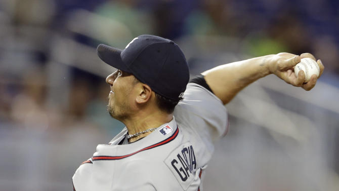 Freddy Garcia pitches Braves past Marlins 6-1