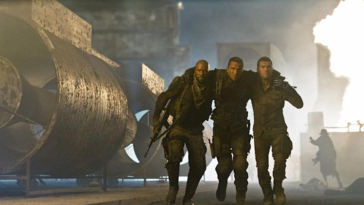Terminator Salvation Warner Brothers Production Photos 2009 Common Christian Bale Sam Worthington