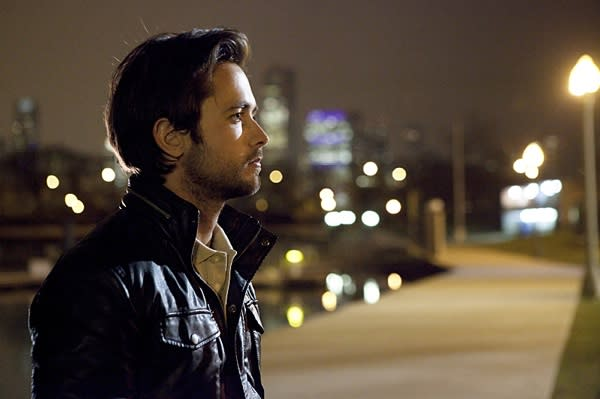 Shameless Shocker: Justin Chatwin Not Returning In Season 4 – Find Out Jimmy's Fate!