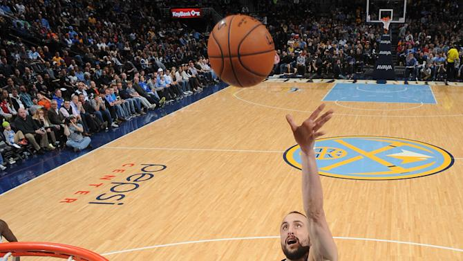 Spurs bounce back for 99-91 win over Nuggets