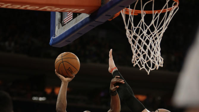 Newly eliminated Knicks stop Bulls' streak at 7
