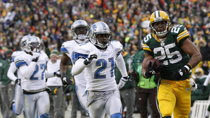 Green Bay Packers' Ryan Grant (25) breaks away for an 80-yard touchdown reception during the first half of an NFL football game against the Detroit Lions Sunday, Jan. 1, 2012, in Green Bay, Wis. (AP Photo/Mike Roemer)