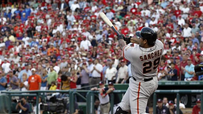 Sanchez hits 3-run homer in 9th, Giants win 4-3