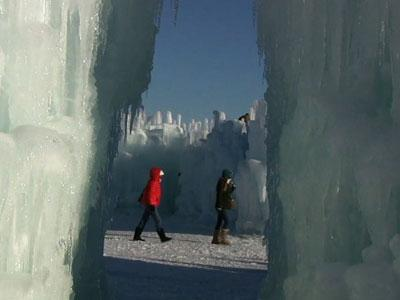 Ice Castles Delight Mall of America Shoppers