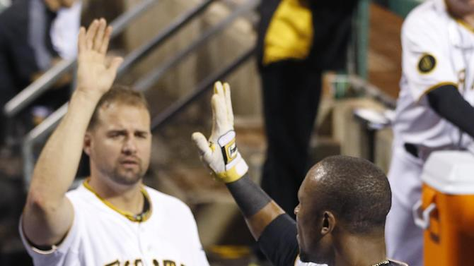 Pirates hold off Orioles 9-8