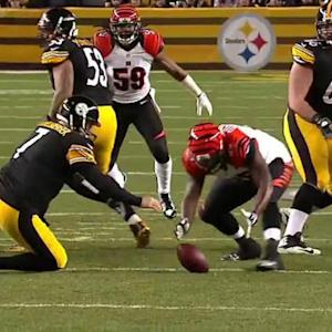 Pittsburgh Steelers quarterback Ben Roethlisberger's fumble recovered by Cincinnati Bengals defensive end Wallace Gilberry