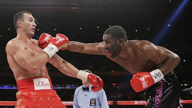 Bryant Jennings punches Wladimir Klitschko, of Ukraine, during the fourth round of a heavyweight boxing match Saturday, April 25, 2015, at Madison Square Garden in New York. (AP Photo/Frank Franklin II)