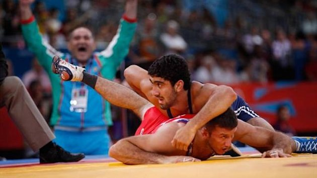 Asgarov wrestling
