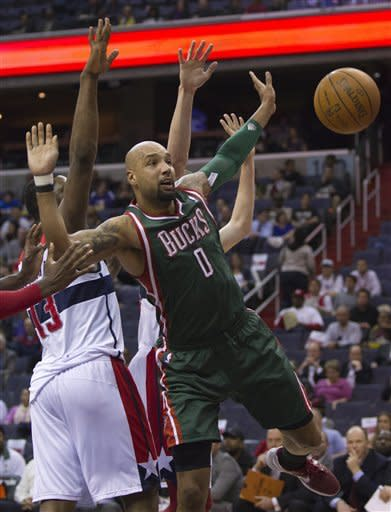 Crawford's 32 leads Wizards over Bucks 121-112