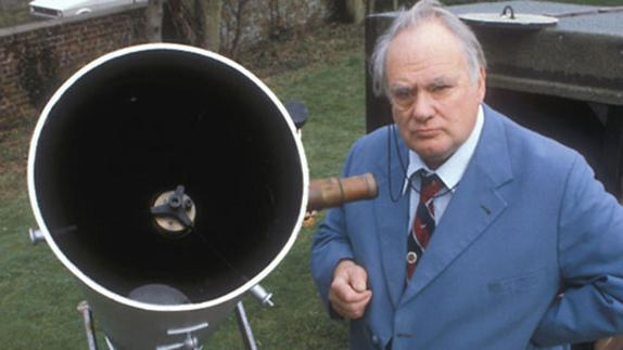 Sir Patrick Moore, British Astronomy Missionary, Dies at 89