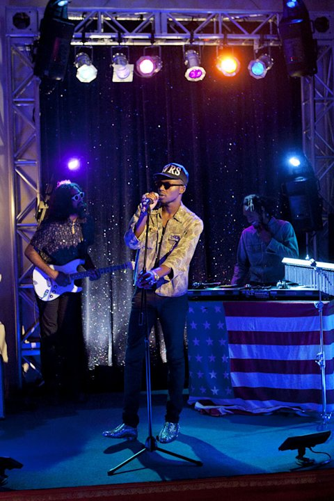 """Up In Smoke""--Musical Guest Theophilus London on 90210 on The CW. Photo: Michael Desmond/The CW ©2011 The CW Network. All Rights Reserved. 90210"