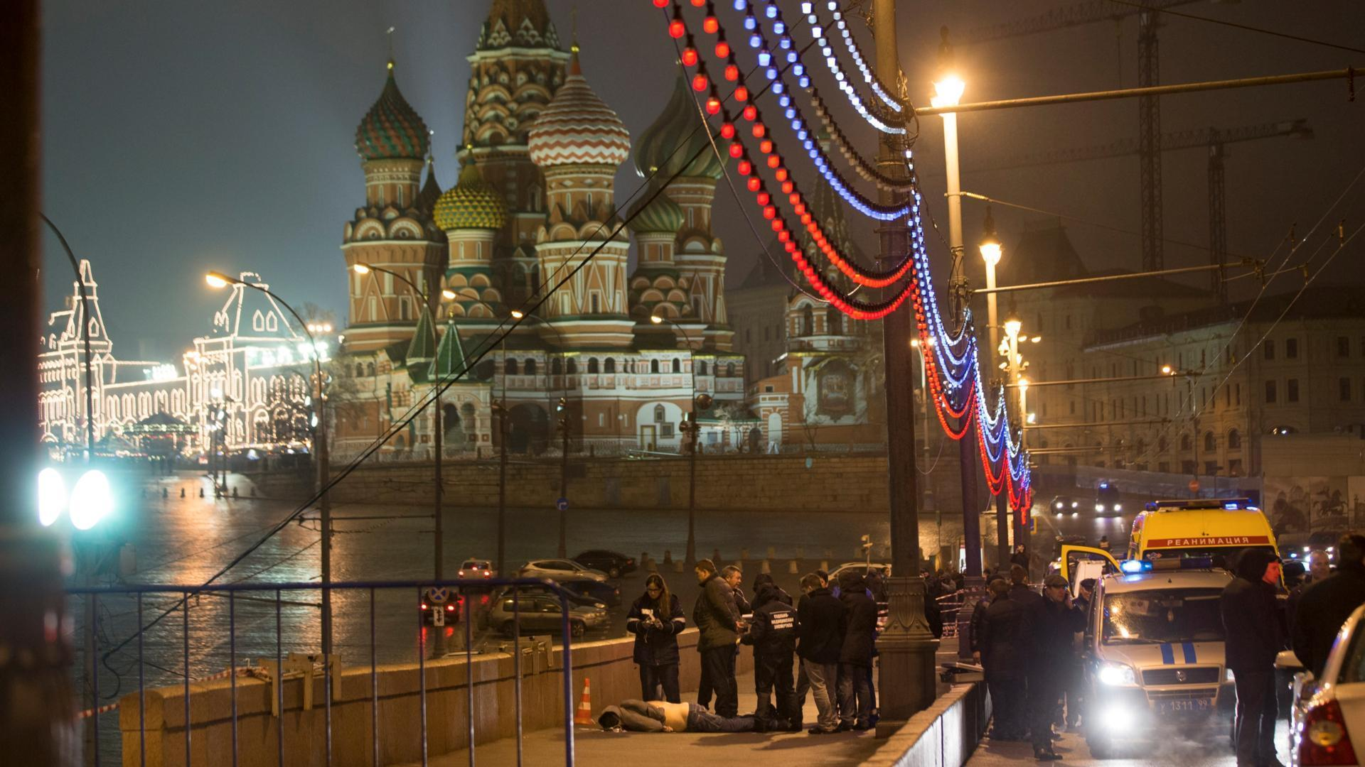 Prominent Russian opposition figure Boris Nemtsov shot dead