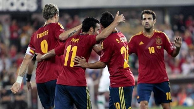 España celebrating goal