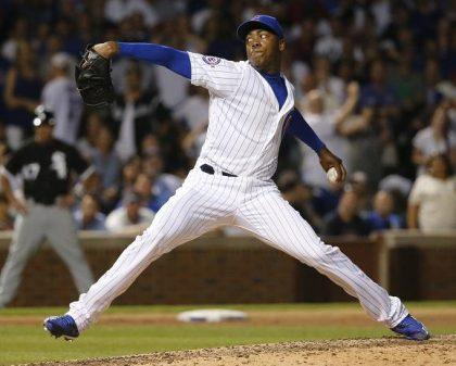 Cubs fan pledges $10 to charity for each Aroldis Chapman save