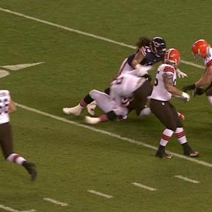 Cleveland Browns quarterback Johnny Manziel's fumble recovered by teammates
