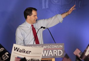 Gov. Scott Walker celebrates his victory. (REUTERS/Darren Hauck)