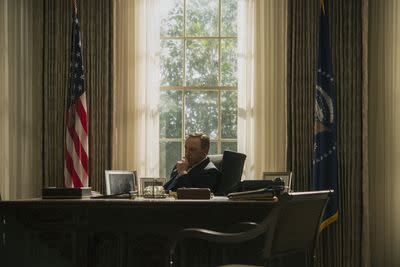 House of Cards season 3 is now on Netflix — and we're live blogging all night!