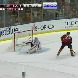 Nick Bjugstad Goal on Braden Holtby (00:00/SO)