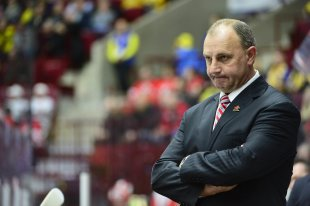 Canada's coach Brent Sutter reacts on the final whistle of the World Junior Hockey Championships semi-final between Canada and Finland at Malmo Arena ...