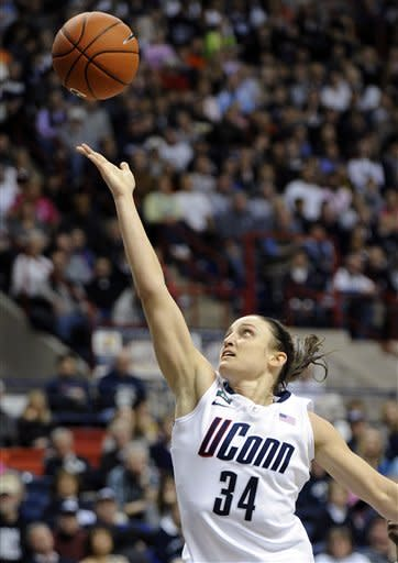No. 3 Connecticut women beat Seton Hall 90-30