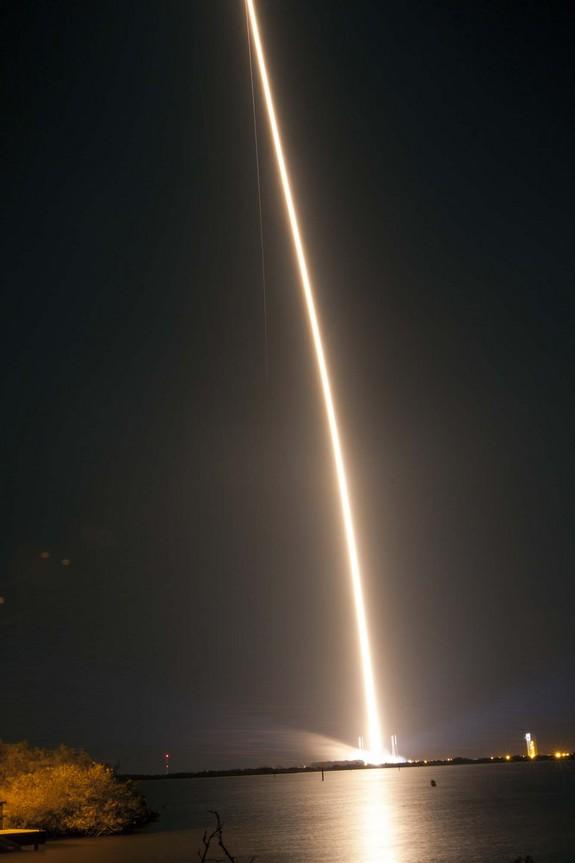 Wow! NASA Photos Capture Dazzling Nighttime Rocket Launch