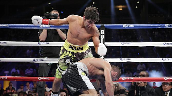 Keith Thurman, Lucas Matthysse win by stoppage