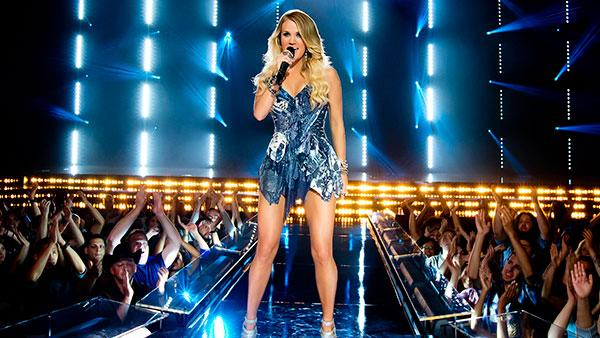 Carrie Underwood Hits the Big Screen for 'Sunday Night Football'