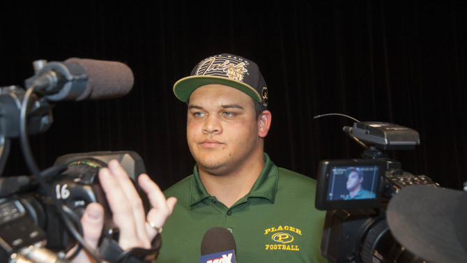 High School Football: National Signing Day-Eddie Vanderdoes