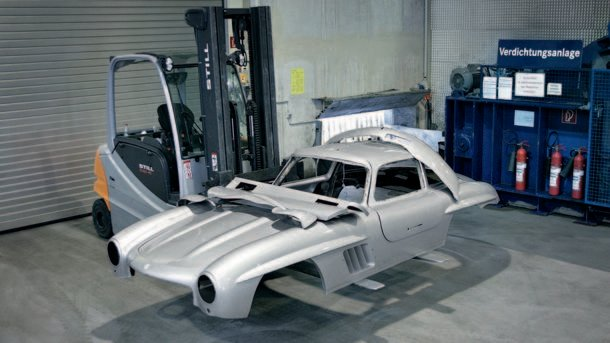 Mercedes Benz 300SL replica crushed