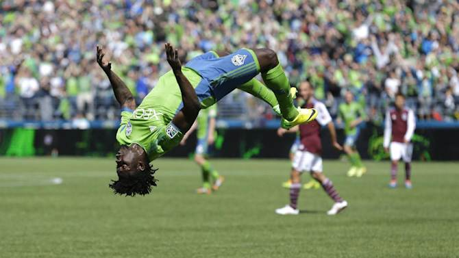 Dempsey scores 2 goals, Sounders beat Rapids 4-1