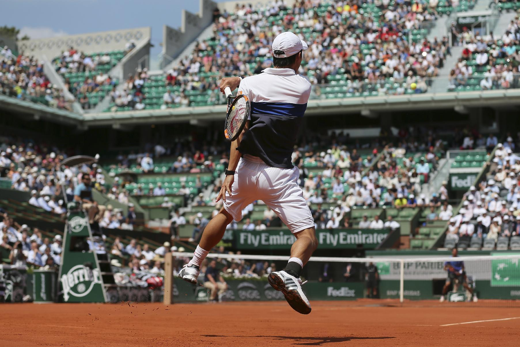 The Latest: 9 seeded players go out on French Open day 5