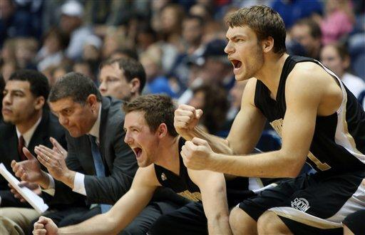 Cochran, Wofford rally to defeat Xavier 56-55