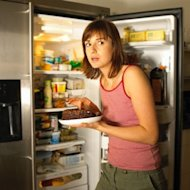 6 strategies to crush late-night cravings