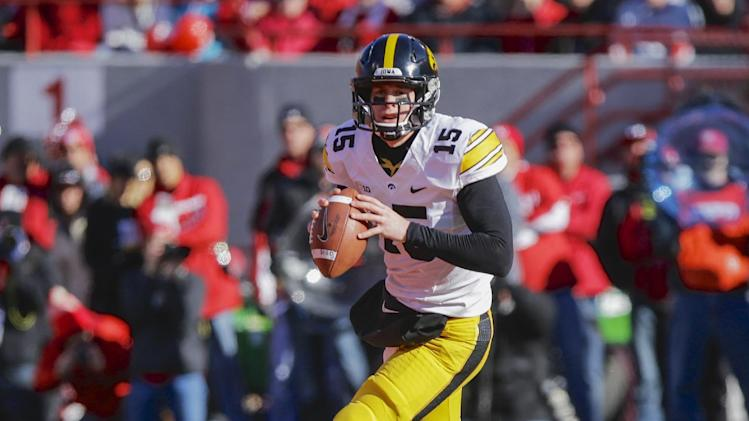 Iowa's offense looking to match strong defense