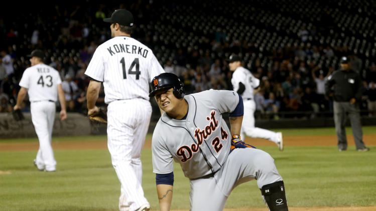 De Aza singles in 11th, White Sox beat Tigers 4-3