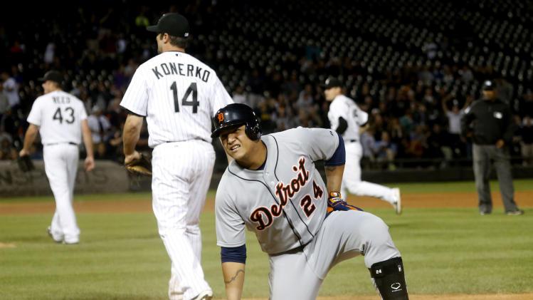 De Aza singles in 11th, White Sox beat Tigers 4-3