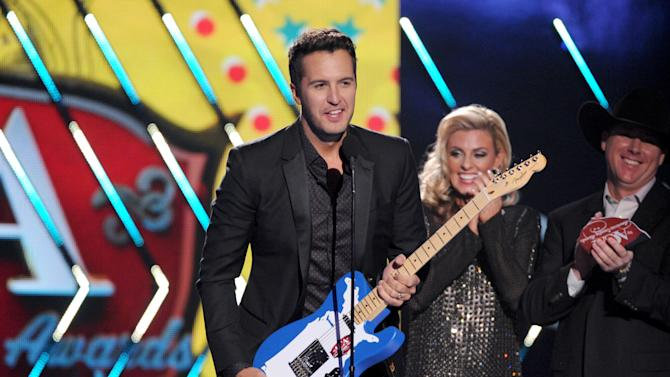 Bryan, FGL clean up at American Country Awards
