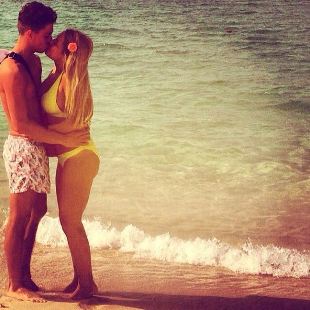 Sam Faiers and Joey Essex share a big kiss